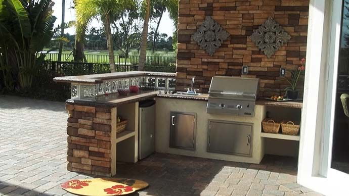 Outdoor kitchens are growing in popularity in Lakeland Florida.