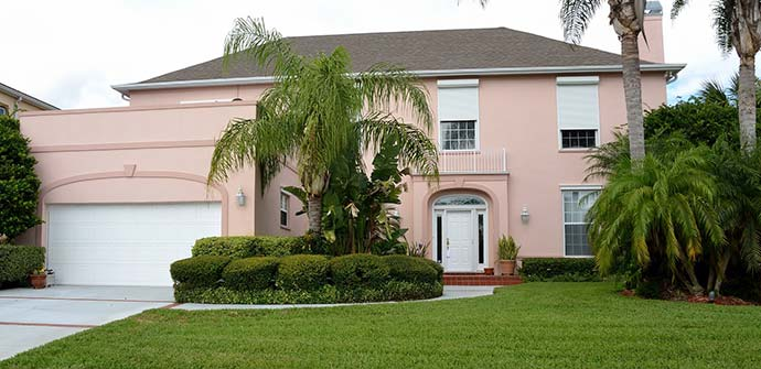 Lakeland, FL homeowner that hires our company for lawn care services.